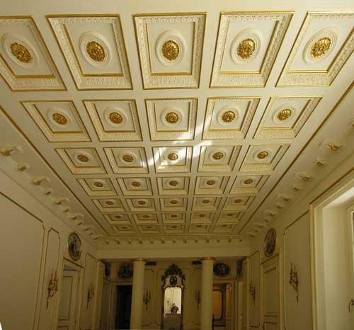 Soffitto A Cassettoni In Gesso: Soffitto a cassettoni in gesso con decorazioni pictures to pin on.